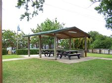 Photo of pavilion at Island City Park